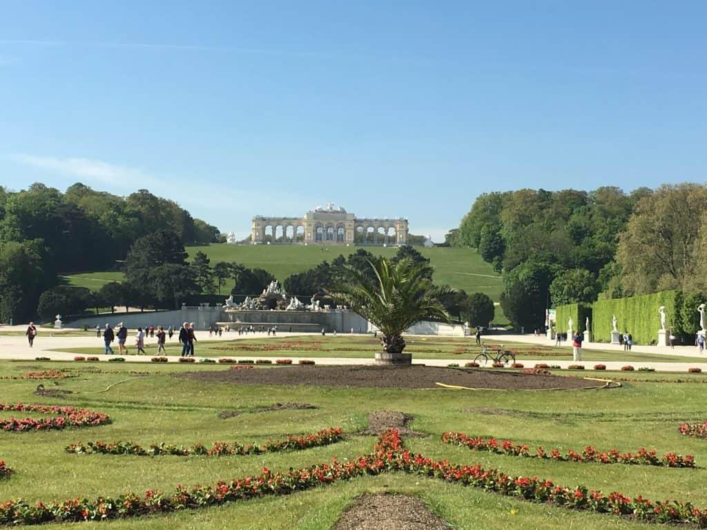De prachtige tuinen van Schloss Schonbrunn
