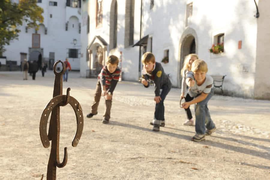 met kinderen naar de Hohensalzburg