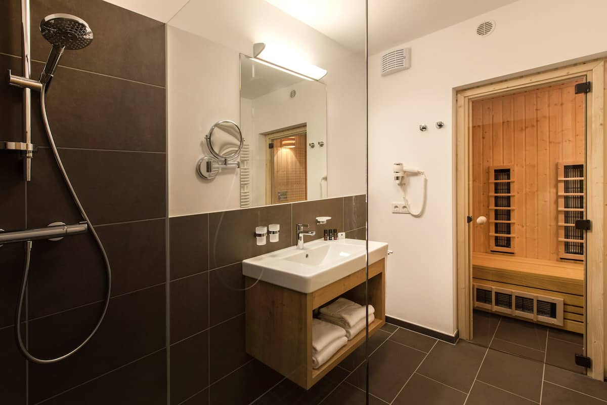 Landal Maria alm badkamer met sauna
