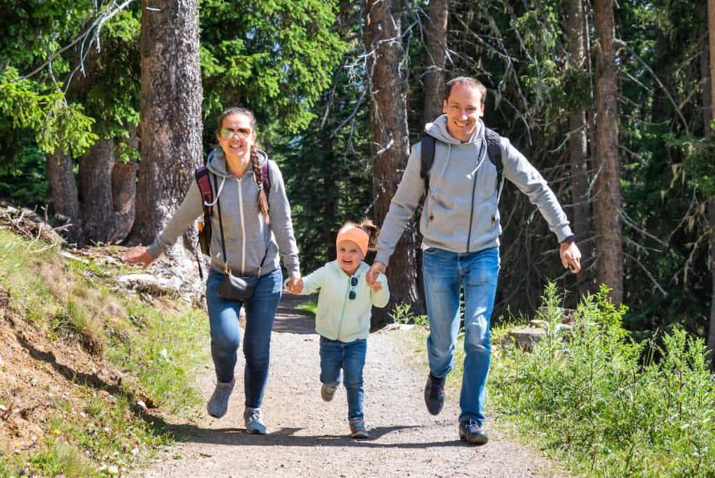 vakantie met kinderen in Oostenrijk wandelen